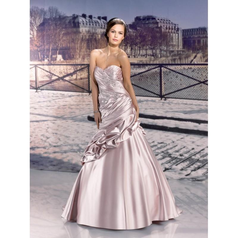 Wedding - Miss Paris, 133-11 rouge brick - Superbes robes de mariée pas cher