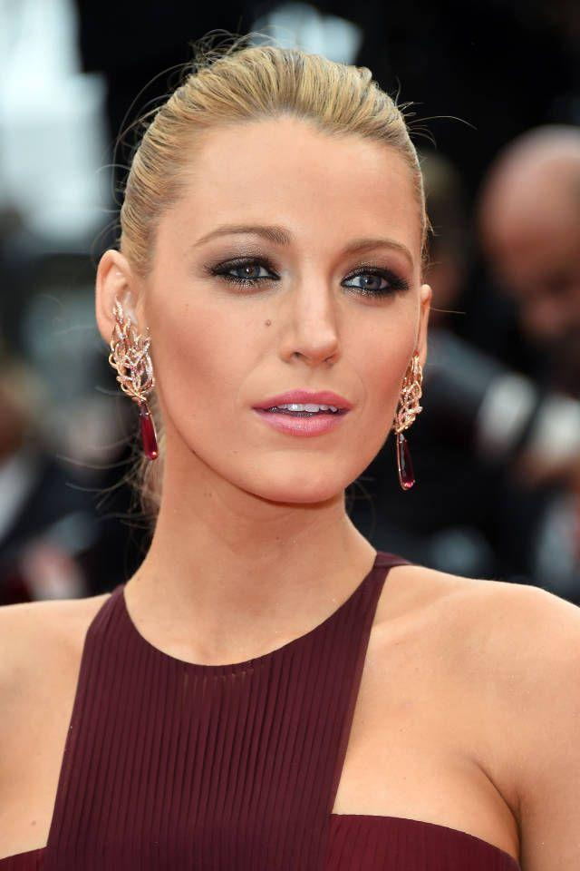Hochzeit - How To Get Blake Lively's Smoldering Cannes Smoky Eye
