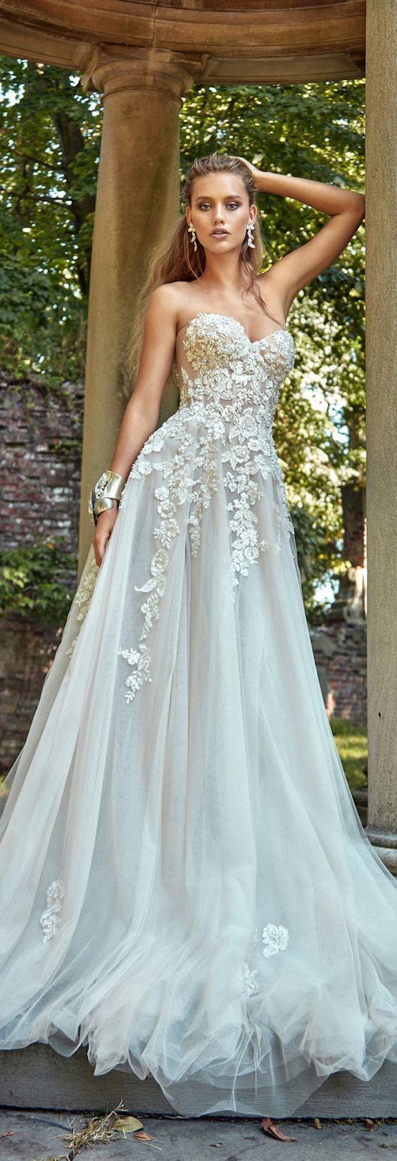 Hochzeit - 16 Beautiful Wedding Dresses For 2017