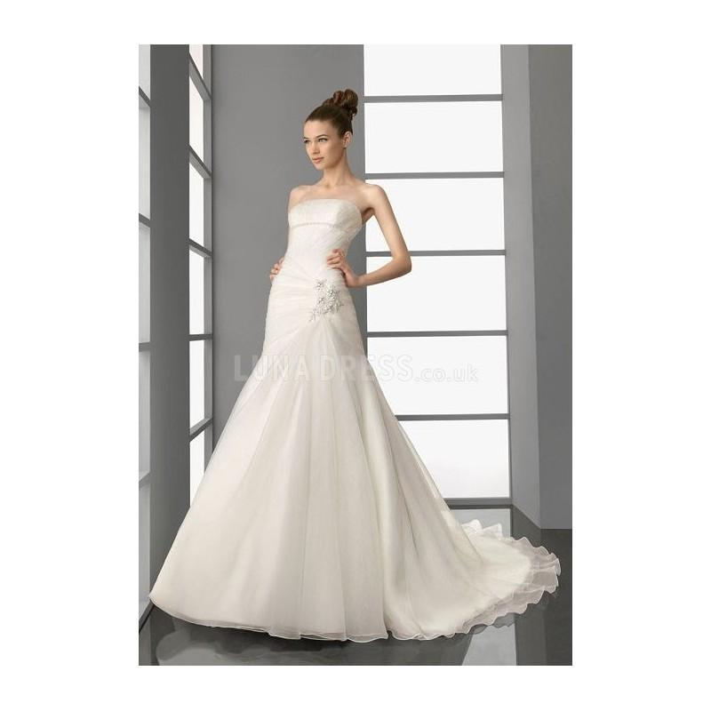 Mariage - Pretty Organza A line Strapless Zipper up Chapel Train Bridal Dresses With Beading - Compelling Wedding Dresses