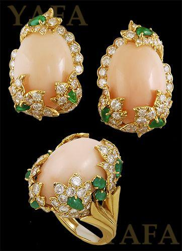 Mariage - DAVID WEBB Coral, Diamond And Emerald Earrings And Ring