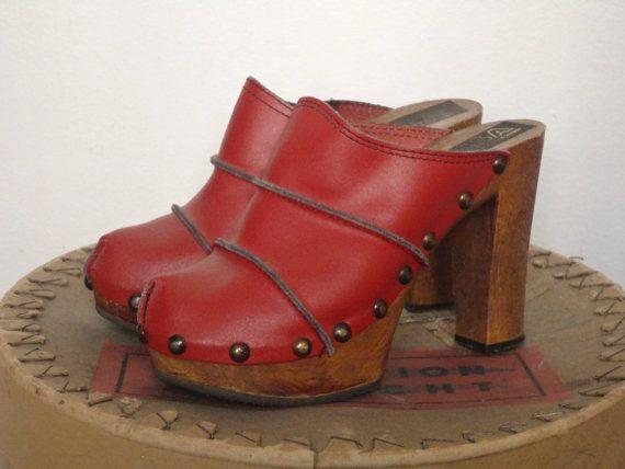 Hochzeit - 70s Vintage Leather Platform Clogs // Pisa // Studded // Size 36