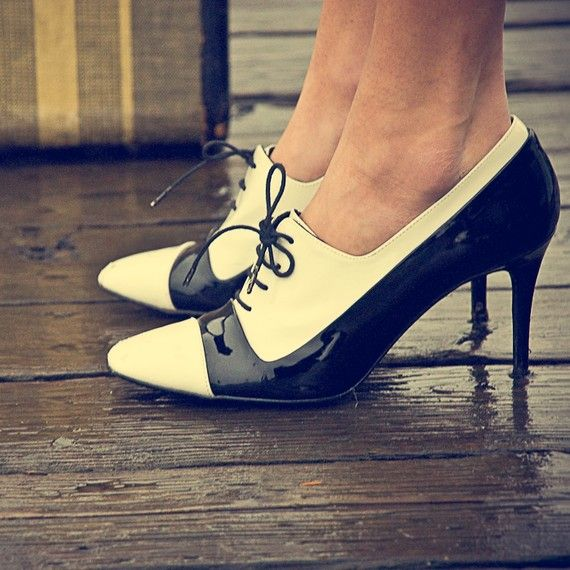 Hochzeit - Items Similar To Traveling Shoes On Etsy