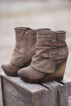 Düğün - Why Don't We Just Wedge Double Buckled Wedge Booties (Taupe)