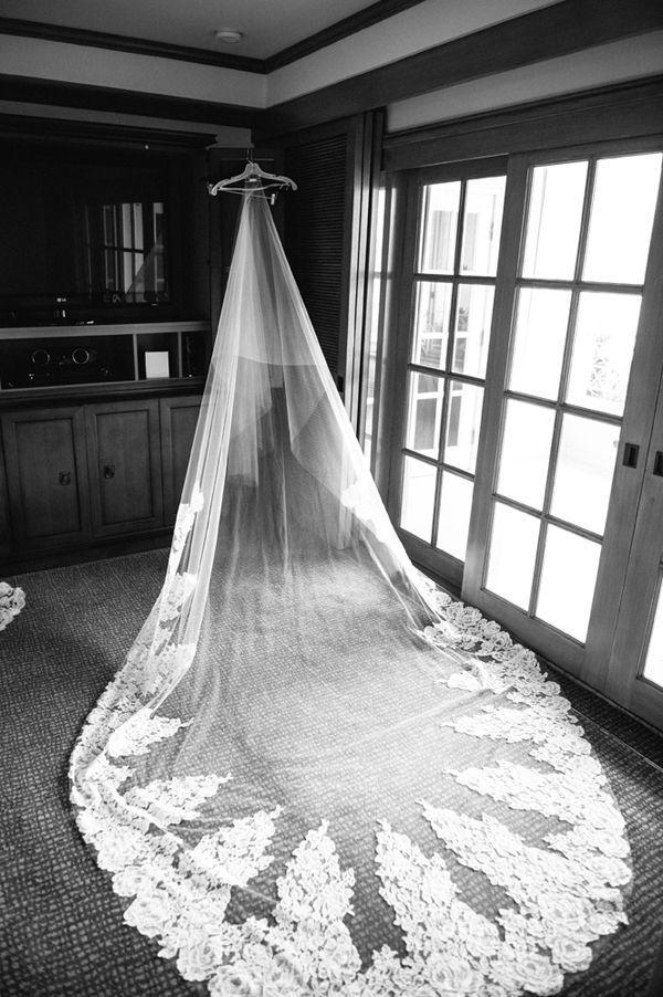 Mariage - Stunning Lace Long Veil - My Wedding Ideas