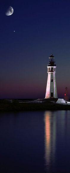 Mariage - Lake Erie Lighthouse