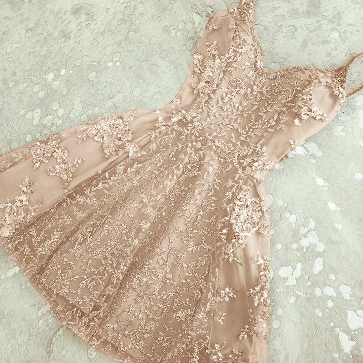 Mariage - Glamorous A-Line Spaghetti Straps Champagne Short Homecoming Dress With Beading