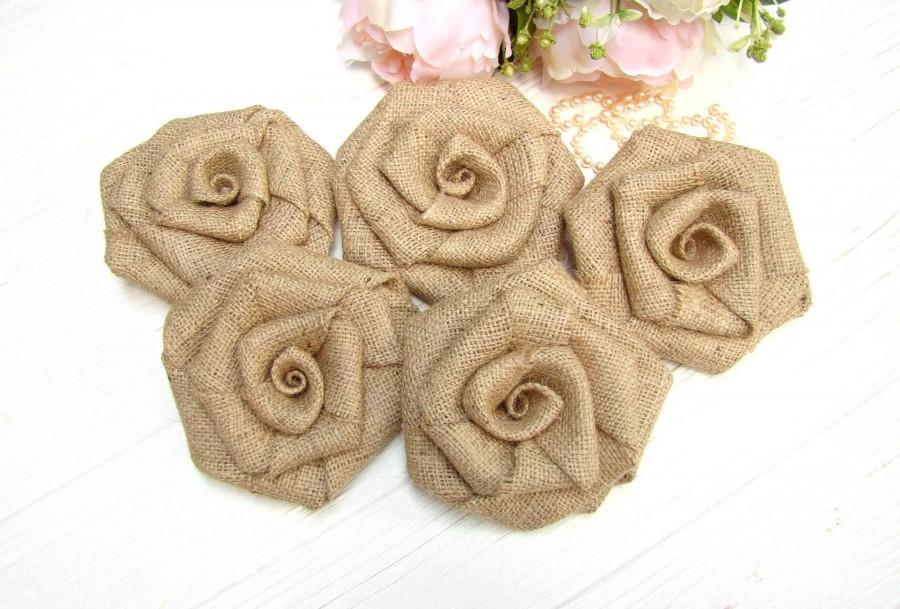 Hochzeit - Large Wedding Roses Set of 5 Burlap Flowers Rustic Wedding Decor Hessian Flowers Fabric Rosette Bridal Party Decor Wedding Cake Topper - $11.77 USD