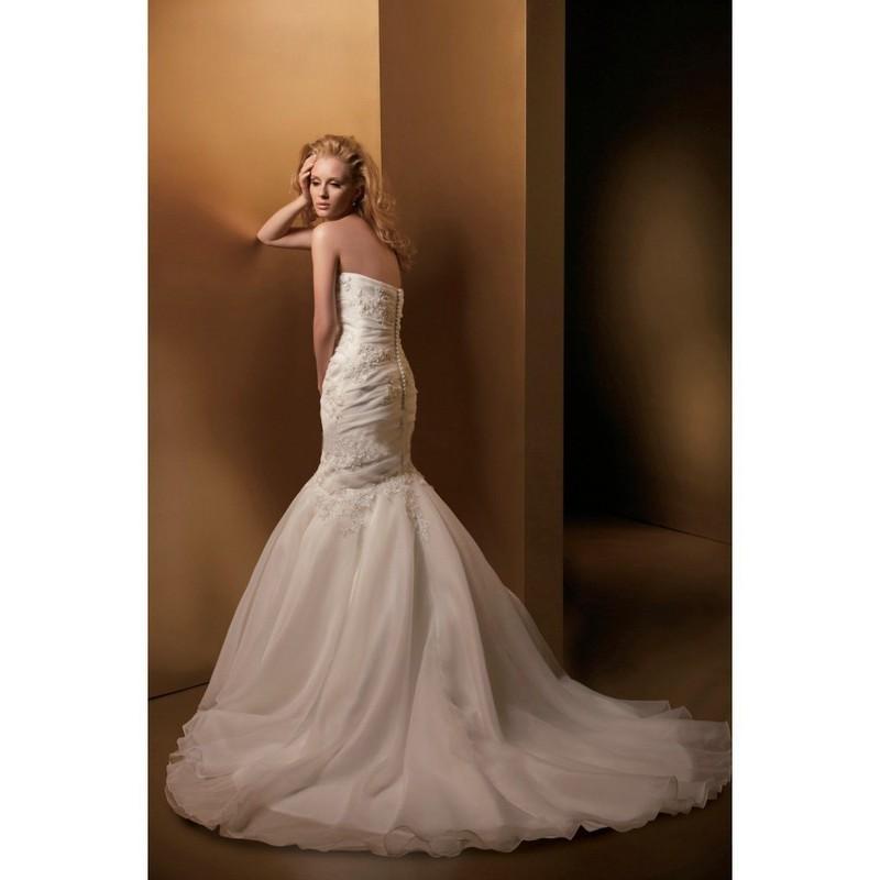 Gorgeous satin organza strapless trumpet mermaid wedding for Organza trumpet wedding dress