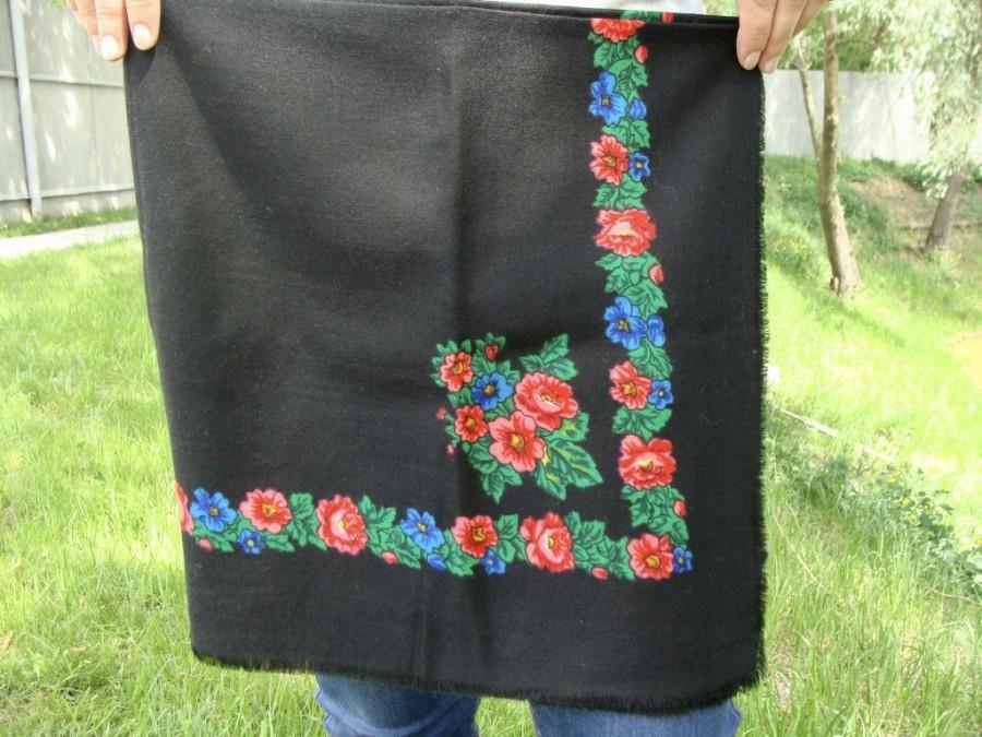 Свадьба - Russian shawl Russian scarf Chale russe Ukrainian shawl Vintage shawl Wool shawl Floral scarf Black shawl Head scarf Folk shawl Black scarf