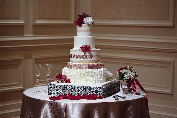 Mariage - Striking Fall Wedding At The Elm Street Center In North Carolina
