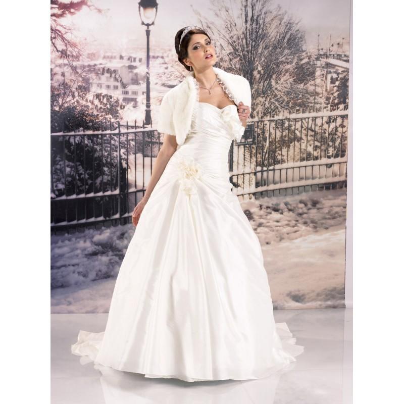 Wedding - Miss Paris, 133-30 ivoire - Superbes robes de mariée pas cher