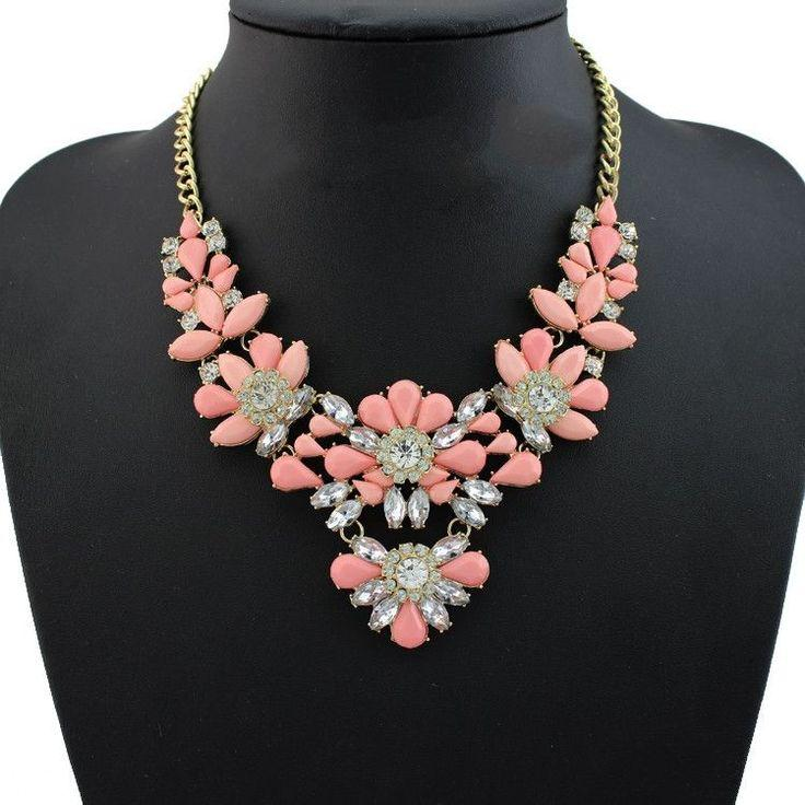 Mariage - New Design High Quality Jewelry Fashion Women Color Acrylic Statement Collar Necklace Necklaces & Pendants