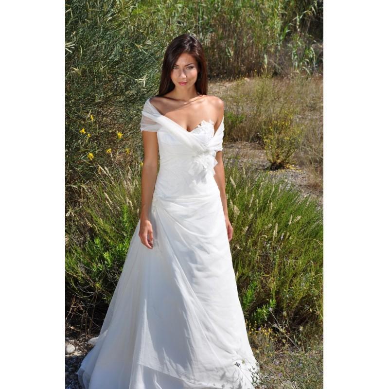 Hochzeit - Les Mariées de Provence, Cairanne - Superbes robes de mariée pas cher