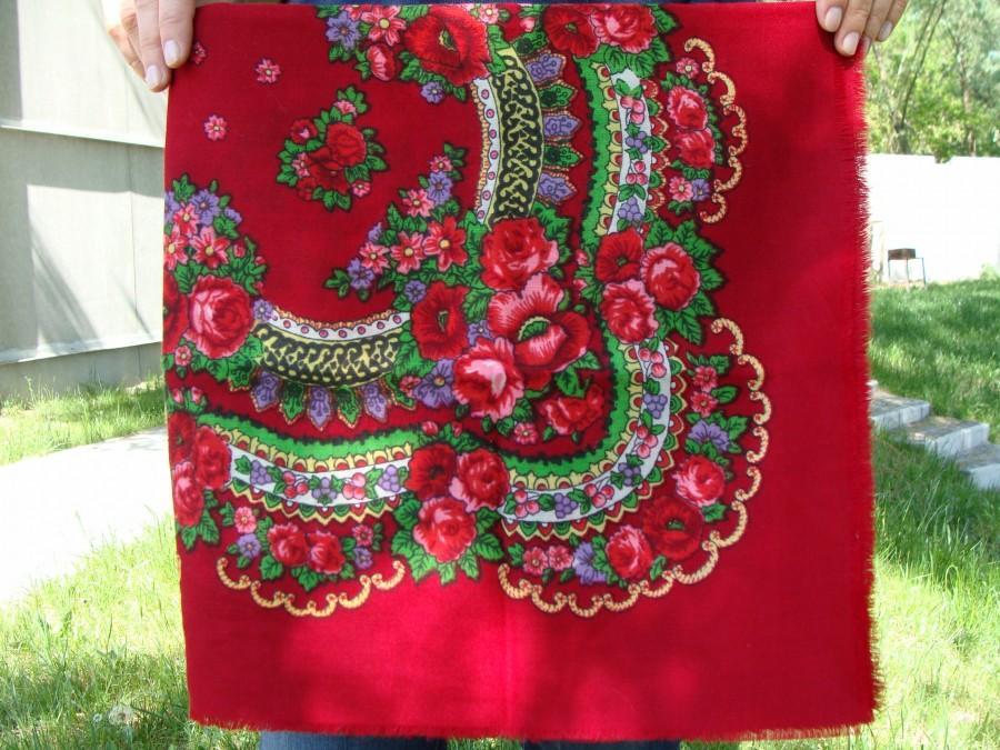 Mariage - Red shawl Red scarf Ukrainian shawl Vintage scarf Wool ShawlBabushka scarf Floral scarf Shawl Scarf Head Scarf Chale Russe Soviet scarf