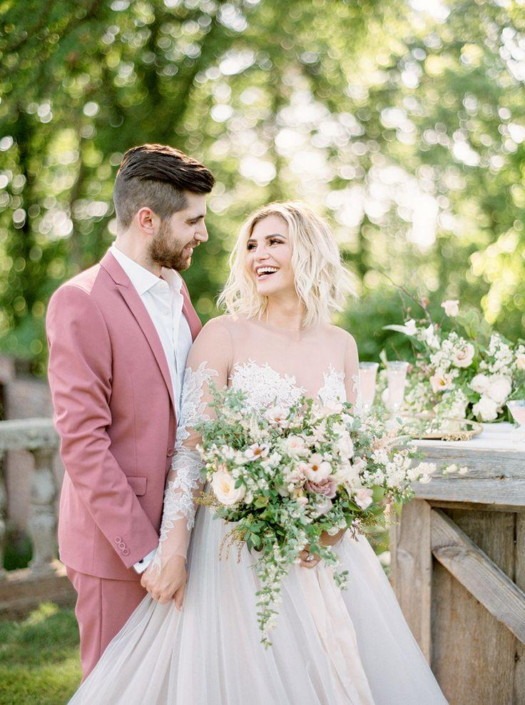 Свадьба - This Groom Rocked A Coral Tux   We're Obsessed