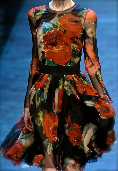 Hochzeit - Dolce & Gabbana Fall 2010 Ready-to-Wear Fashion Show: Complete Collection - Style.com