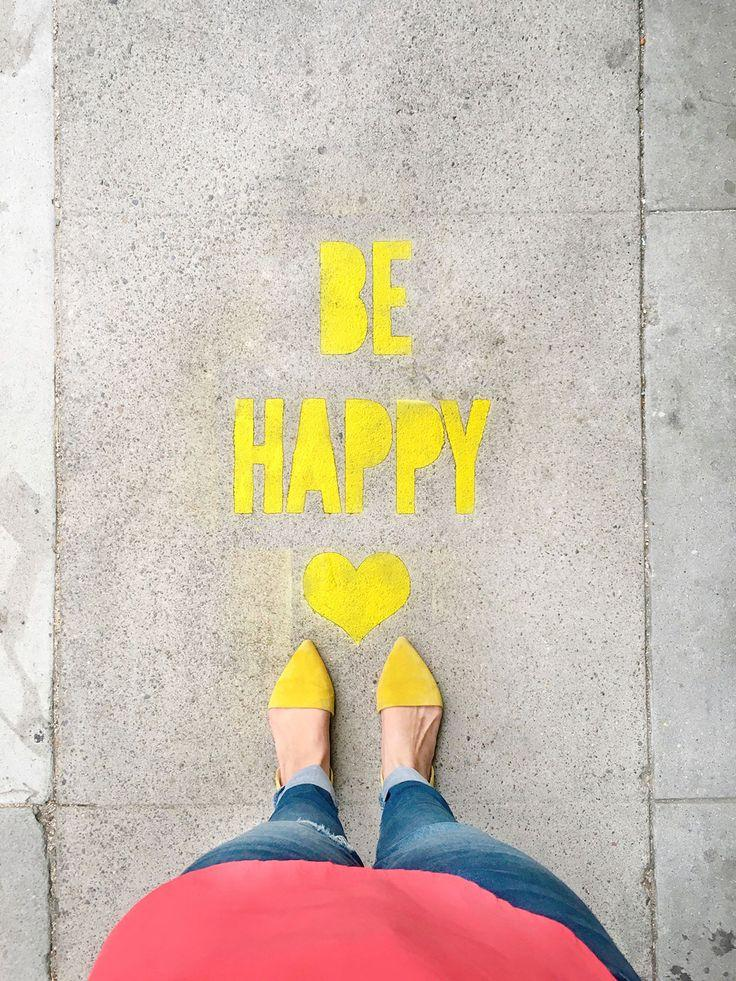 Boda - DIY Stencil Spray Chalk Sidewalk Messages