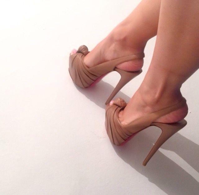Wedding - Hot Heels!