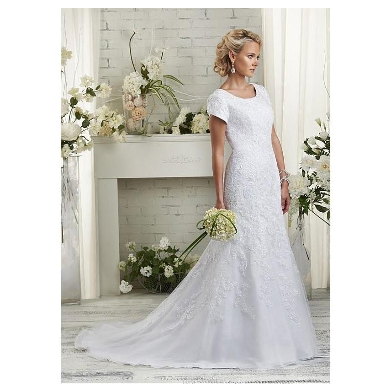 Mariage - Glamorous Tulle Scoop Mermaid Wedding Dress with Beaded Lace Appliques - overpinks.com