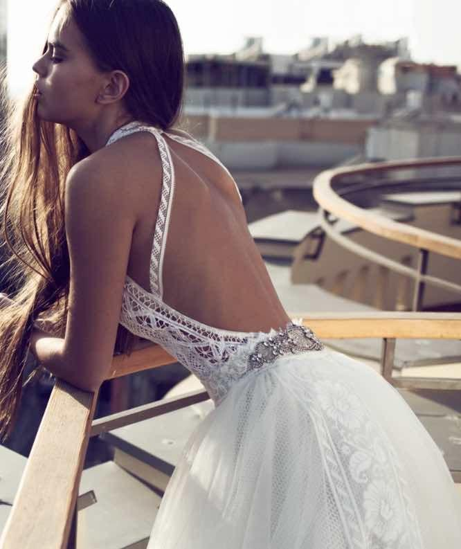 Hochzeit - These Wedding Dresses Are Undoubtedly A Fashion Statement