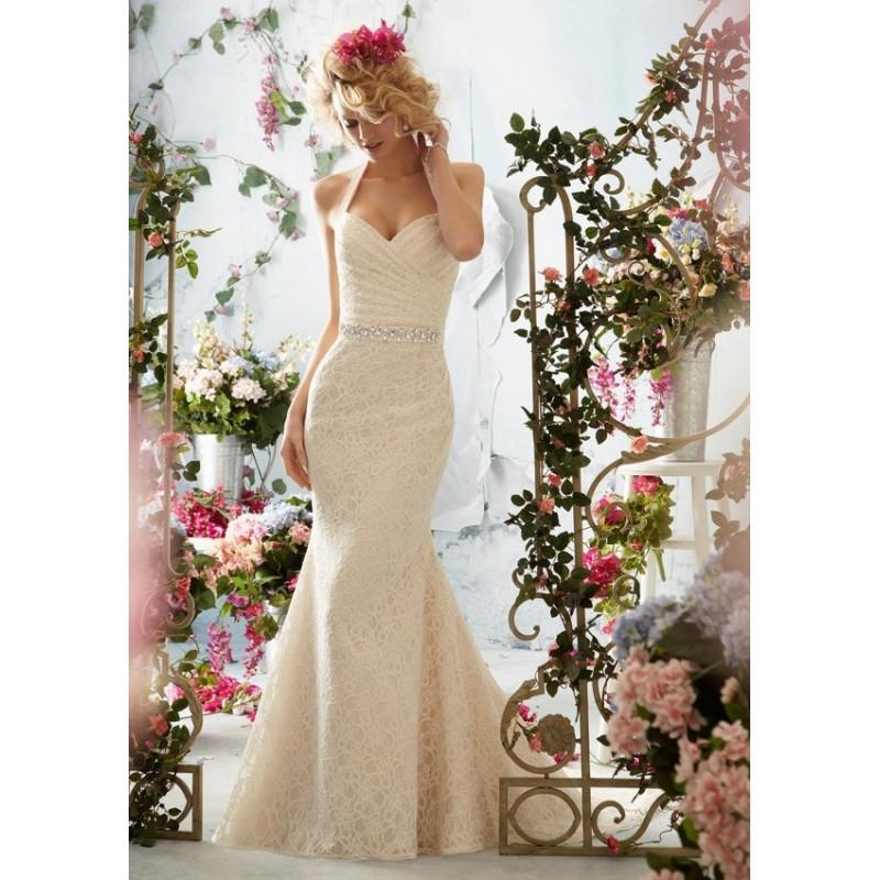 Mariage - 2017 Stunning V-Neck Sleeveless Lace Court Train Wedding Bridal Dress In Canada Wedding Dress Prices - dressosity.com