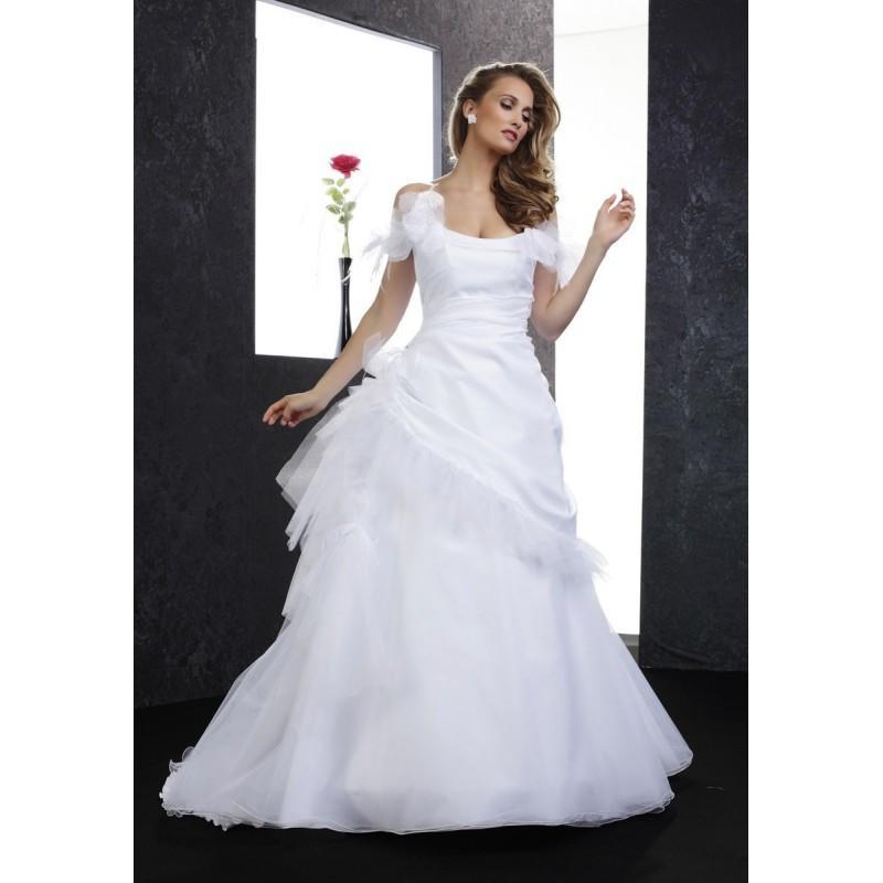 Mariage - Pia Benelli Prestige, Panama blanc - Superbes robes de mariée pas cher