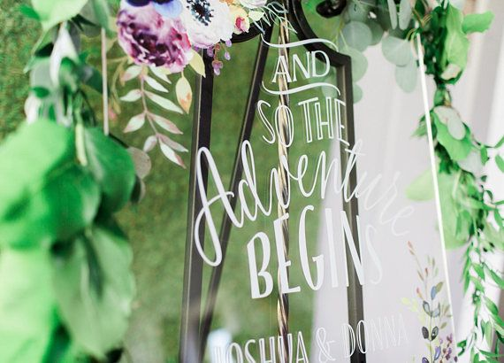 Свадьба - Wedding Sign Clear Acrylic Glass Look Sign Personalized Names Adventure Begins Quote, Modern Wedding Plastic Glass Look (Item - LFL142)