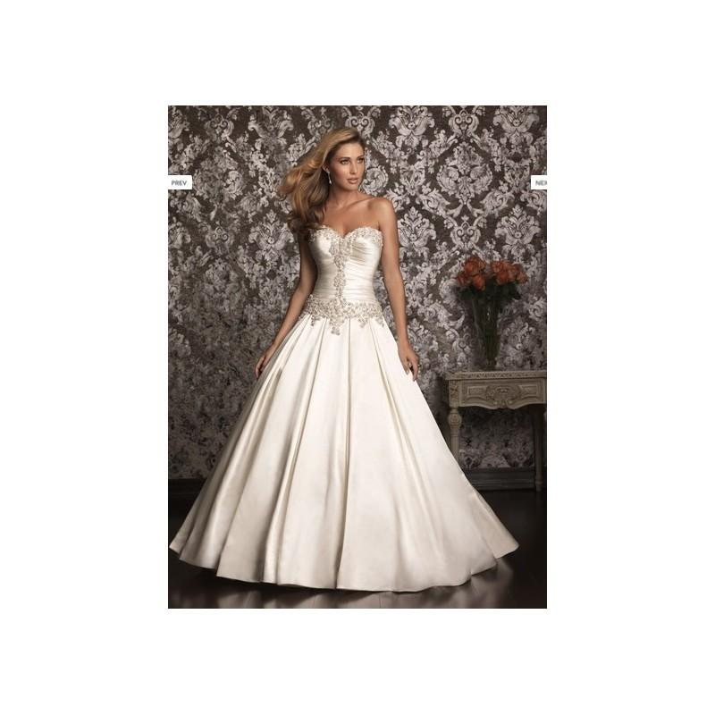 Wedding - 2017 Exquisite Sweetheart Sleeveless Lace Wedding Ball Gown with Swarovski crystals In Canada Wedding Dress Prices - dressosity.com