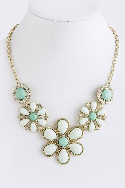 Mariage - Diamonds, Pearls, Piercings, Oh My.