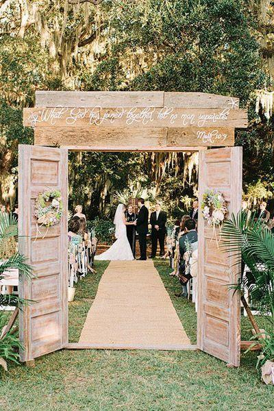 10 Rustic Old Door Wedding Decor Ideas If You Love Outdoor Country