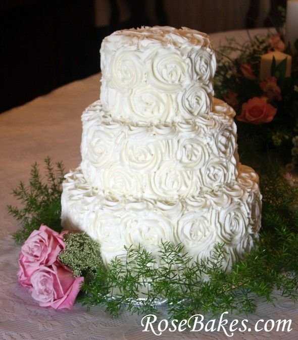 Boda - Rose Wedding Cake