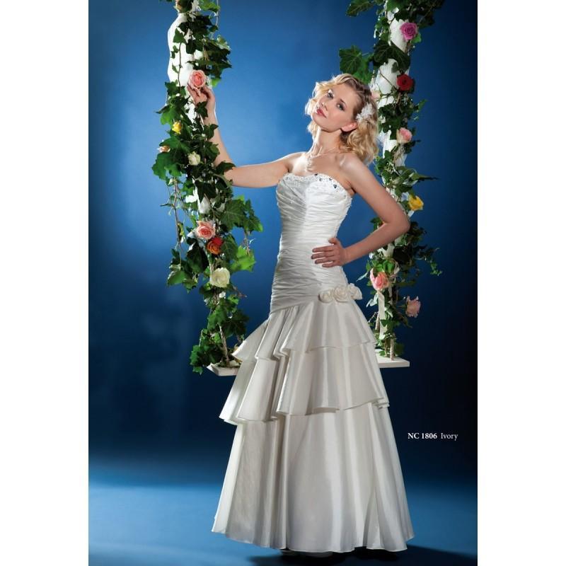 Wedding - Nana Couture, NC 1806 - Superbes robes de mariée pas cher