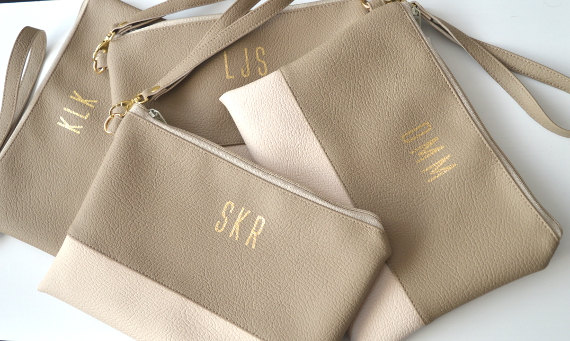 Mariage - Set of 4 Monogrammed Wristlets Clutches, Bridesmaid Gift, 4 Wallets Wristlets for Cellphone or Iphone