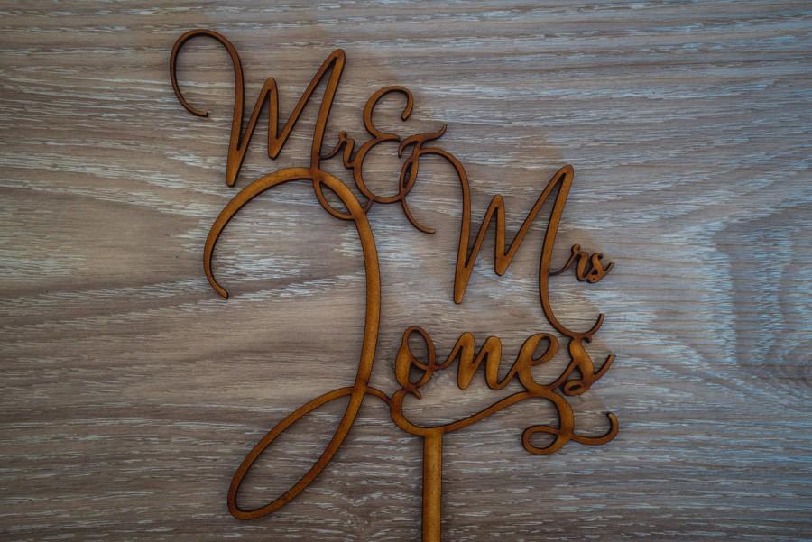 Свадьба - Custom Made Personalised Wedding Cake Topper - Mr & Mrs Surname - [Kiara Font]
