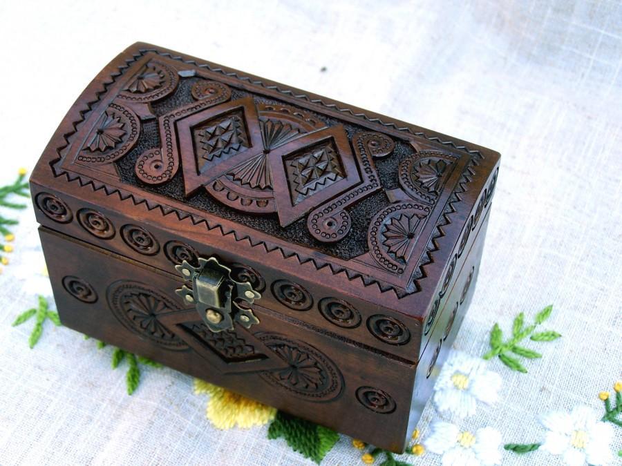 Hochzeit - Ring bearer box Wedding ring box Jewelry box Wooden box Ring bearer pillow Pillow lace Wood carving Wedding ring pillow Jewelry boxes B54