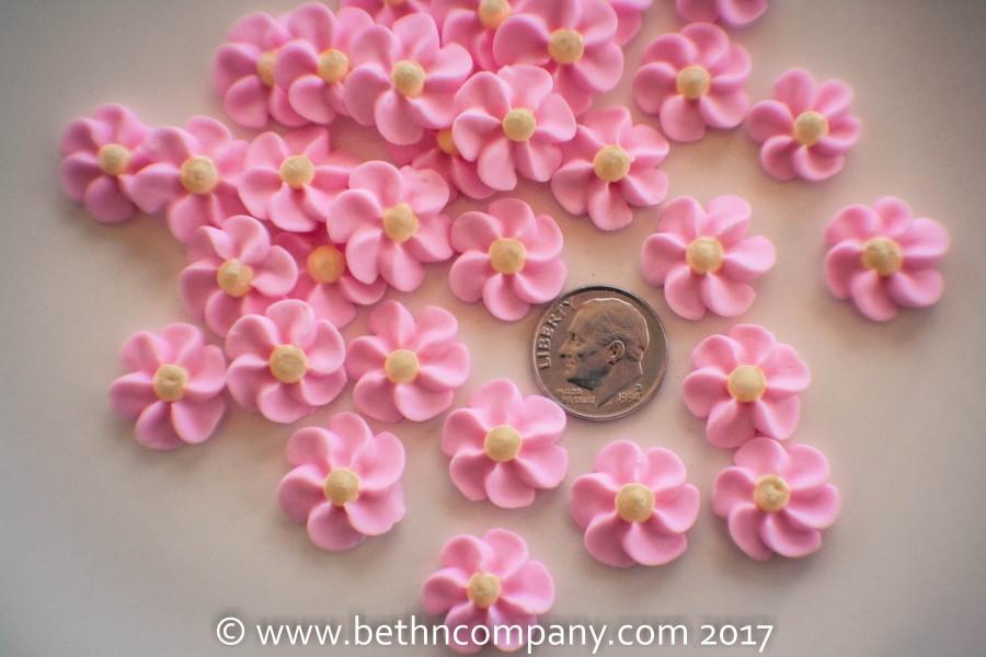 Mariage - Royal Icing Flowers Pink and Blue - Small Drop Flowers - Cake Toppers - Edible Cake Decorations