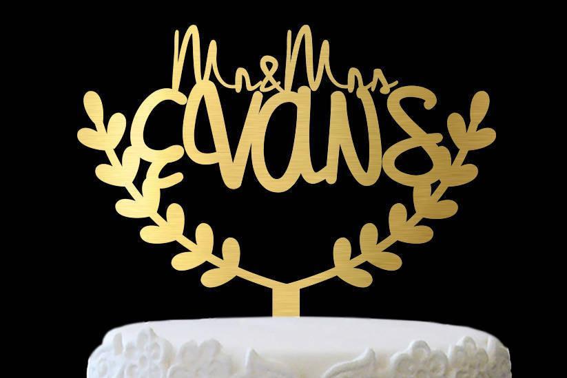 Mariage - Laurel Leaves Cake Toppers for Wedding, Rustic Cake Topper Initial, Personalized Surname Topper Monogram, Custom Bridal Shower Cake Topper