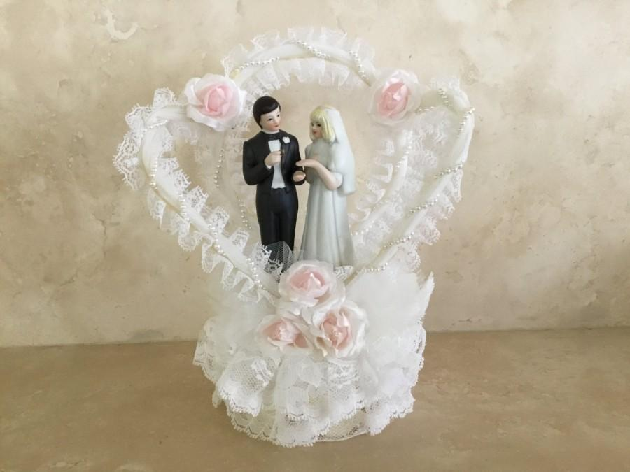 Mariage - Vintage Wedding Cake Topper by Springers Glass on Silk