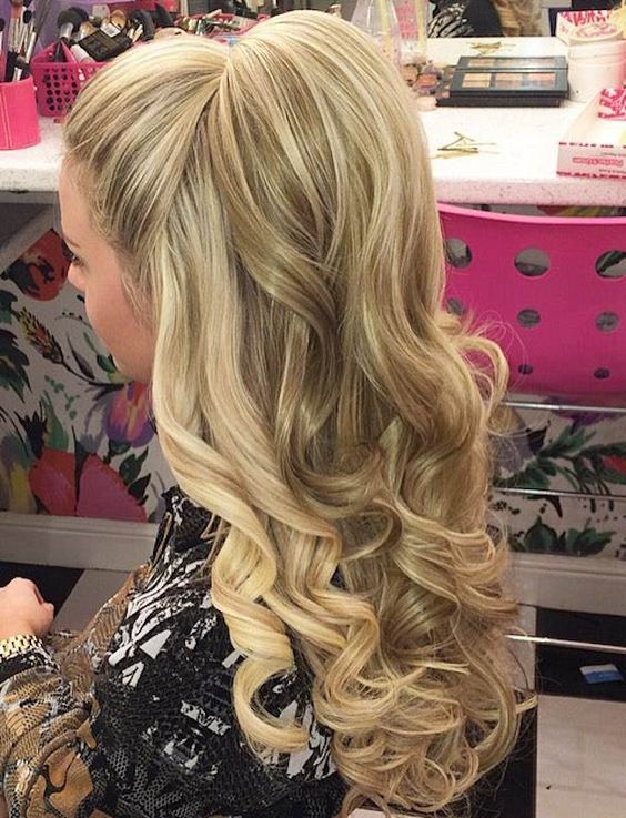 Wedding - 12 Curly Homecoming Hairstyles You Can Show Off