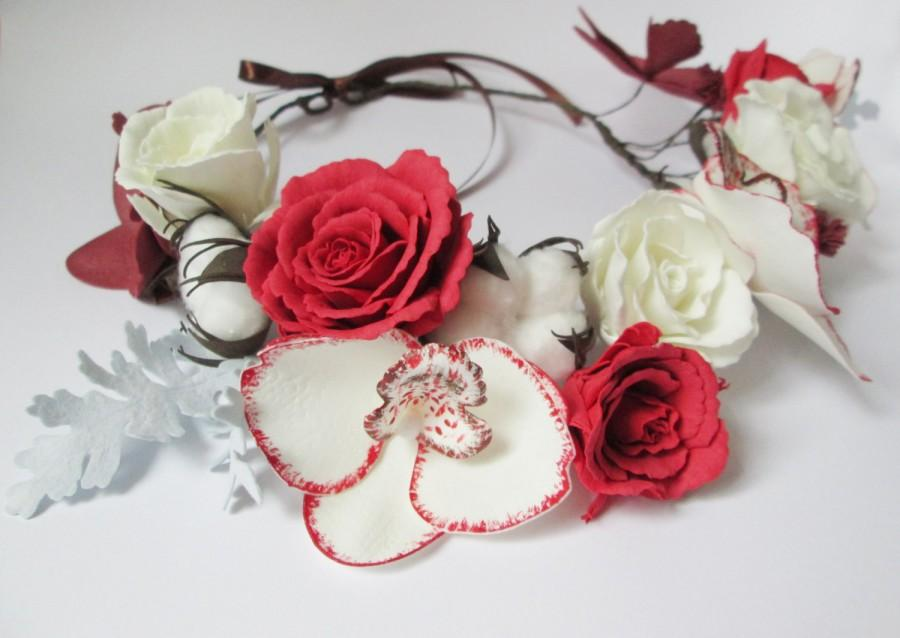 Mariage - Christmas gift Crown flower halo Christmas bride Red white flower Holiday hair Flower wedding crown Christmas accessory Red hair flower