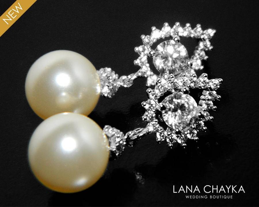 Mariage - Ivory Pearl Bridal Earrings Swarovski 10mm Pearl Drop CZ Earrings Wedding Pearl Earrings Cubic Zirconia Pearl Earrings Bridesmaids Jewelry - $32.50 USD