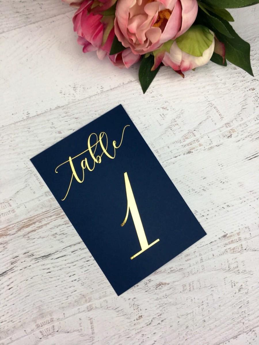 زفاف - Navy and Gold Table Numbers - Wedding Table Markers - Wedding Table Decor - Gold Table Decor - Navy Table Markers - Gold Foil Table Numbers