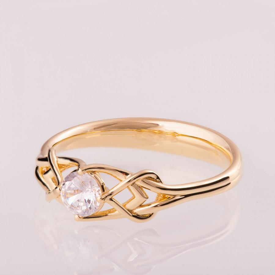 Mariage - Celtic Engagement Ring, 14K Gold and Diamond engagement ring, Unique diamond ring, unique engagement ring, Knot ring, solitaire ring, ENG10B