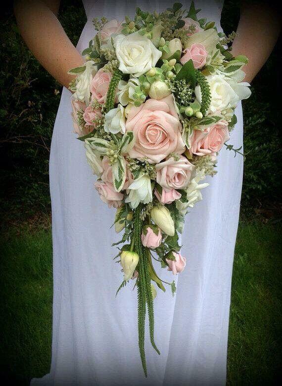 Wedding - Bruidsboeket Druppel En Waterval (cascading Bridal Bouquet)