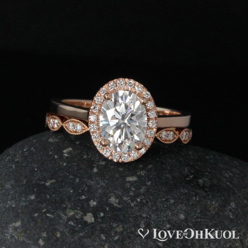 Hochzeit - Rose Gold Oval Moissanite Engagement Ring - Scalloped Diamond Band - Wedding Ring Set