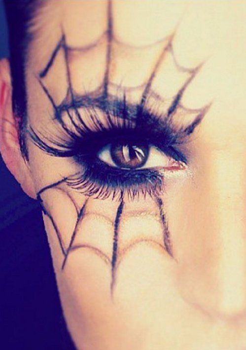 Boda - Spider Web Eye Makeup