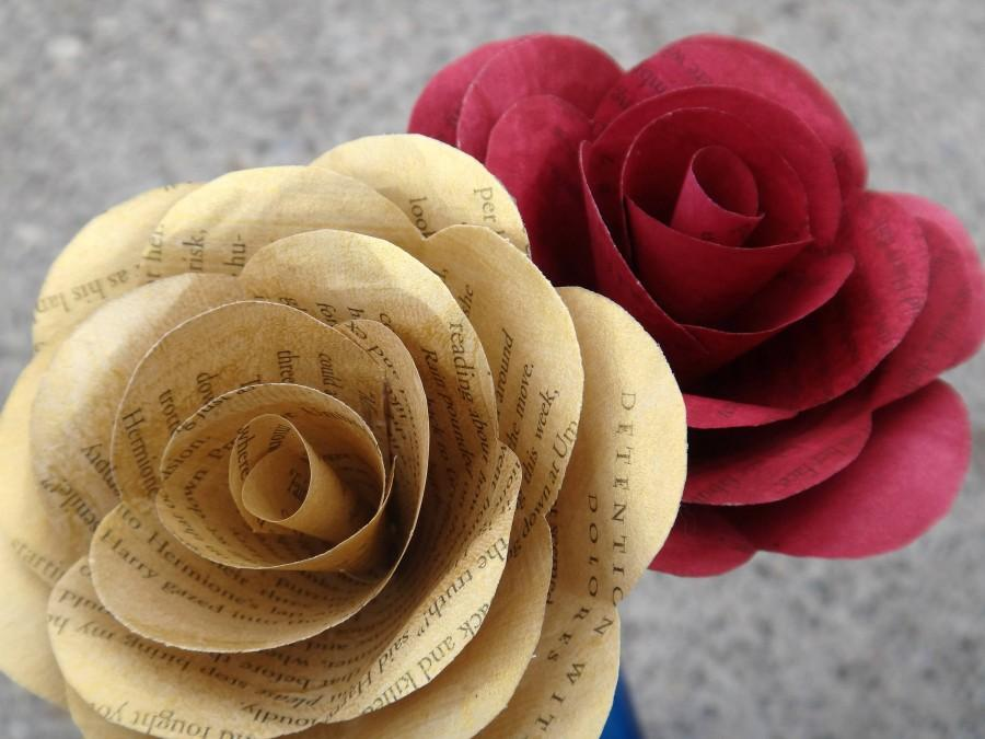 Mariage - Gryffindor Book Page Roses, Harry Potter Book Page Flowers