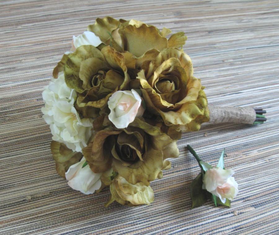 Свадьба - Green Wedding Bouquet, Green Rose Bridal Bouquet, Boho Wedding, Rustic Vintage Wedding, Sweetheart Roses, Burlap, Boutonniere