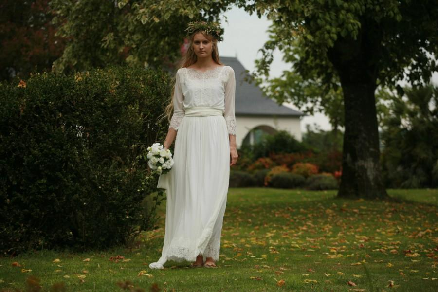 Off White Lace And Tulle Bridal Gown, Simple Boho Wedding Dress ...